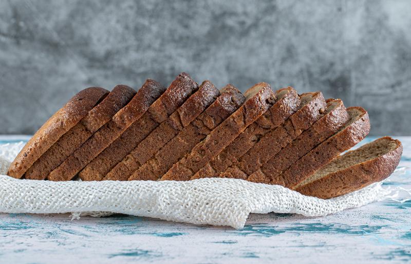 Bánh mì nguyên cám món ăn sáng ít calo