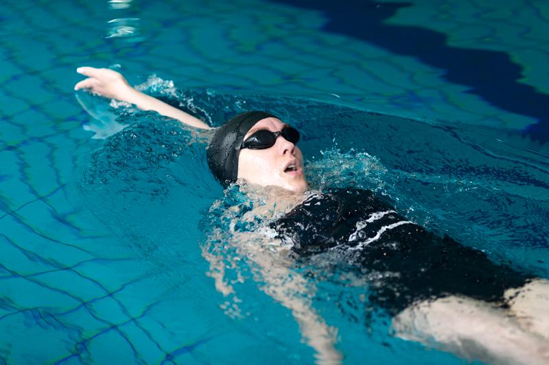 Kiểu bơi ngửa là 1 trong những kiểu bơi khá nhanh