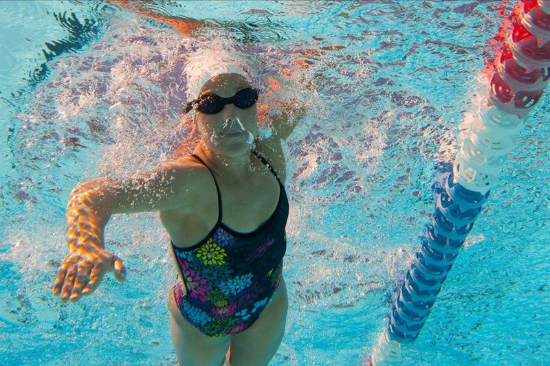 Cách bơi sải không mệt nhờ hít thở đúng cách