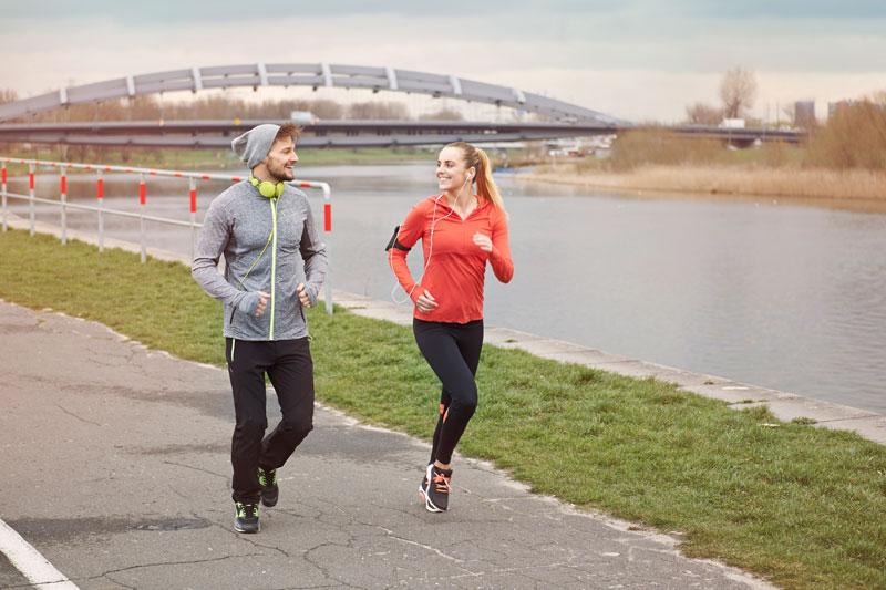 Người gầy có nên chạy bộ không? Cách chạy bộ tăng cân