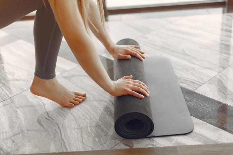 Chọn thảm tập Yoga theo chất liệu
