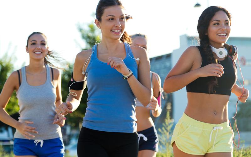 Chạy bộ buổi sáng giúp tinh thần thoải mái, vui vẻ, giảm căng thẳng, lo âu