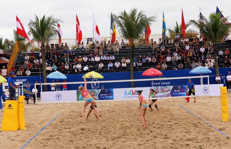 Chiều cao lưới bóng chuyền bãi biển