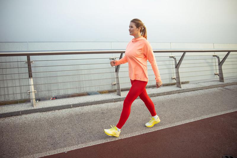 Đi bộ có giảm mỡ bụng không?