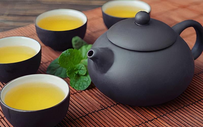 Không nên uống trà đặc sau khi ăn