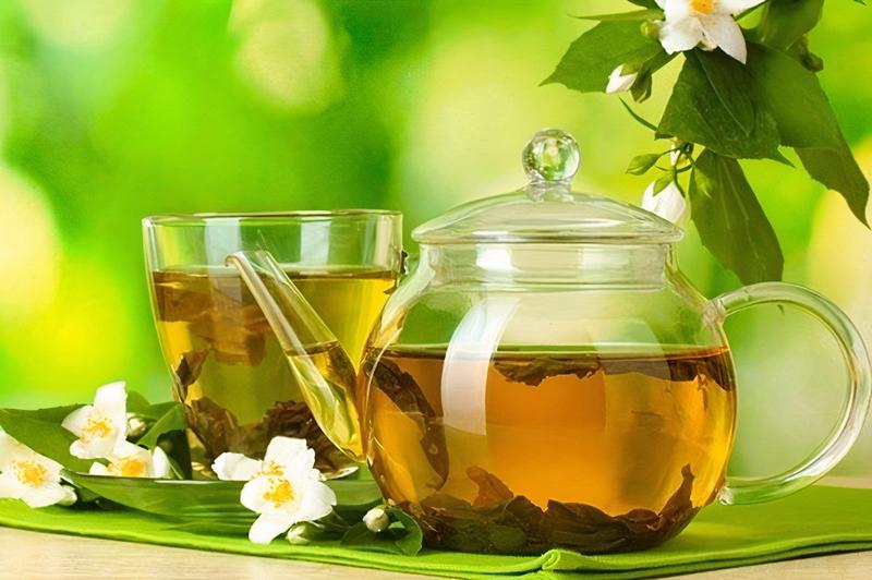 Mật ong với trà xanh