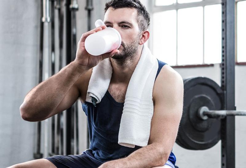 Nên uống sữa trước hay sau khi tập Gym
