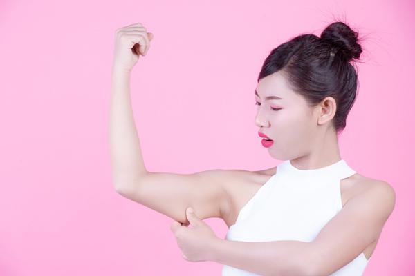 Nguyên nhân gây mỡ bắp tay