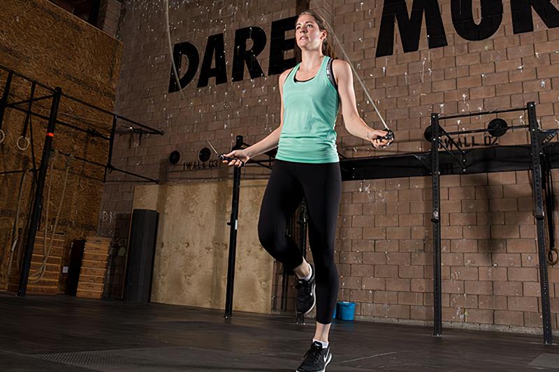 Cách nhảy dây tăng chiều cao bằng một chân