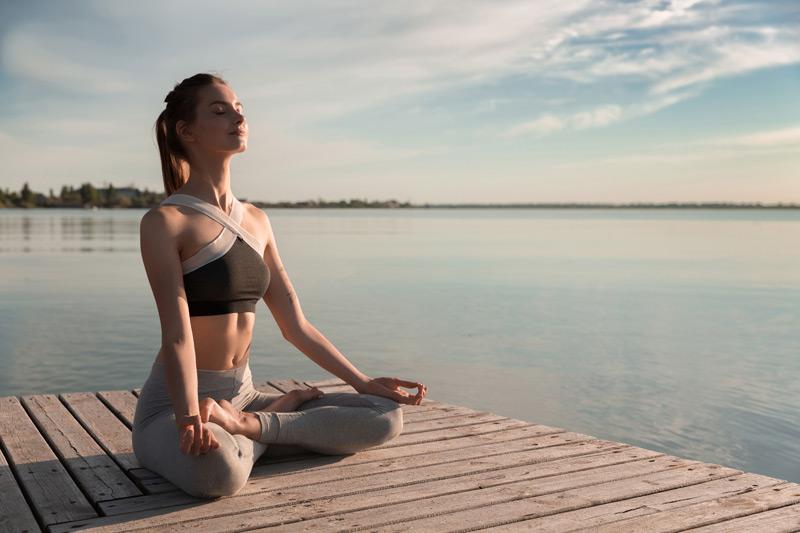 Lợi ích và Cách ngồi thiền thu năng lượng trị bệnh hiệu quả !