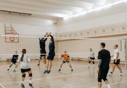 [Giải đáp] Chiều cao lưới bóng chuyền Nam và Nữ là bao nhiêu?
